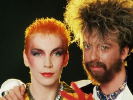 Eurythmics-intro-640-80